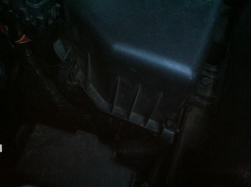 Замена фильтра воздушного на Хендай IX35