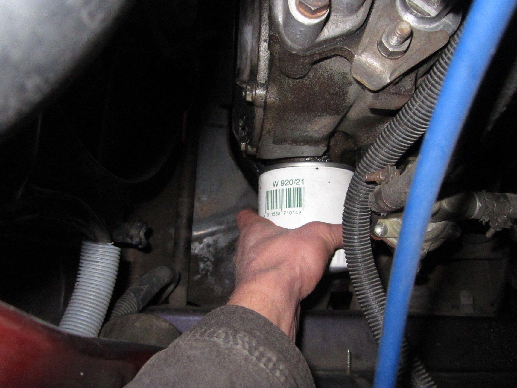 Замена масляного фильтра на ВАЗ 2110