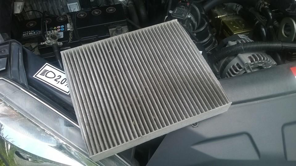 Замена воздушного фильтра на Ауди 80