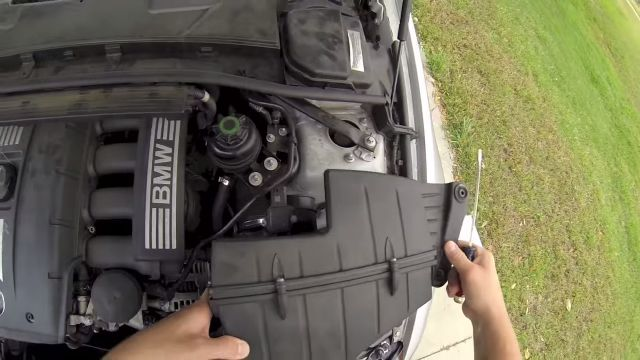 Замена воздушного фильтра на BMW